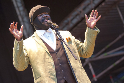 Brillanter Bariton - Imposante Band, überragender Sänger: Gregory Porter im Stadtpark in Hamburg