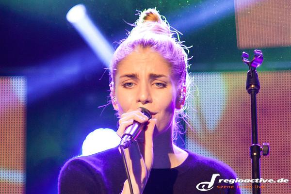 Fesselnd - Fotos: London Grammar live beim SWR3 New Pop Festival 2014 in Baden-Baden